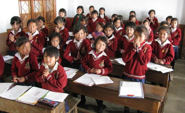 Grundschülerinnen in Indien
